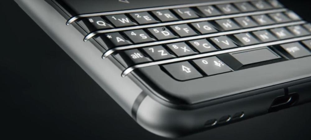 TCL apresenta novo smartphone Android da BlackBerry 3